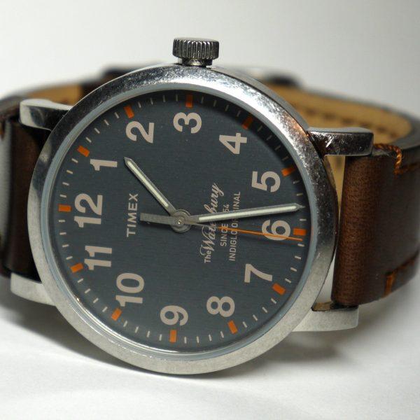 timex tw2p58700 waterbury watch