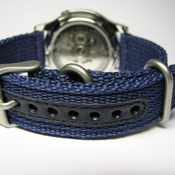seiko_5_snk807_automatic_stainless_steel_watch_with_blue_canvas_band_04