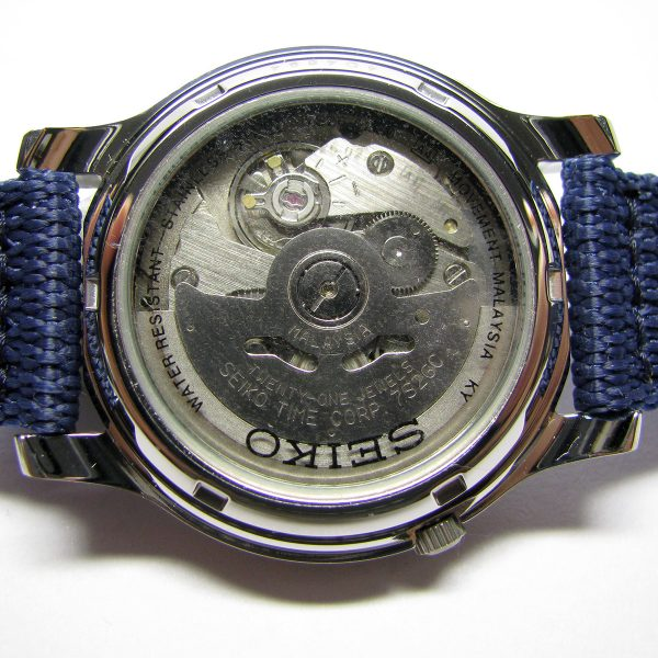 seiko_5_snk807_automatic_stainless_steel_watch_with_blue_canvas_band_06