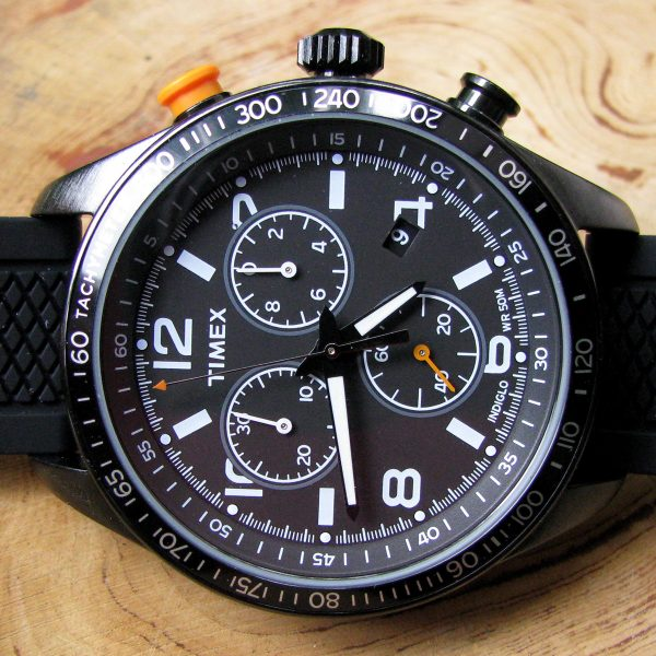 timex-t2p043-chronograph-black-silicon-strap-watch_02