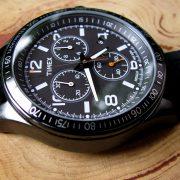 timex-t2p043-chronograph-black-silicon-strap-watch_03