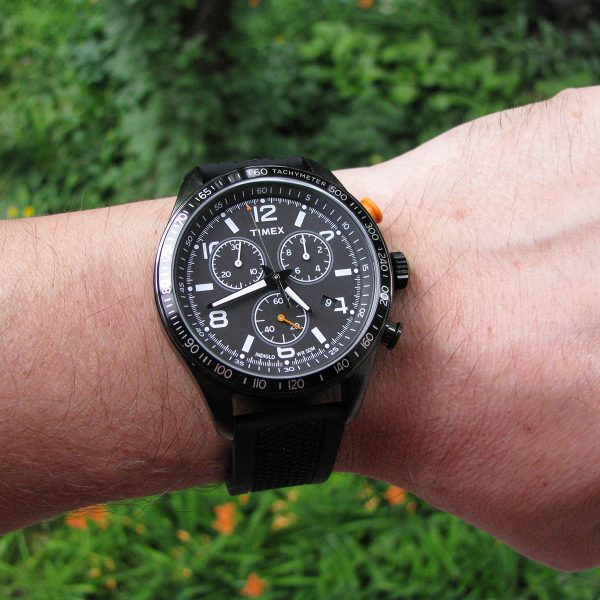 timex-t2p043-chronograph-black-silicon-strap-watch_06