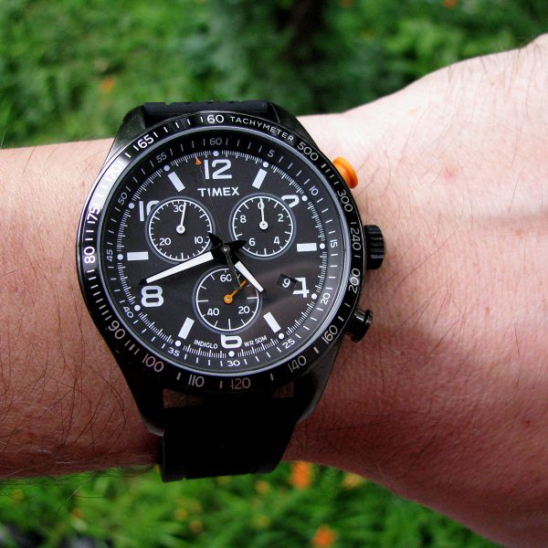timex-t2p043-chronograph-black-silicon-strap-watch_07