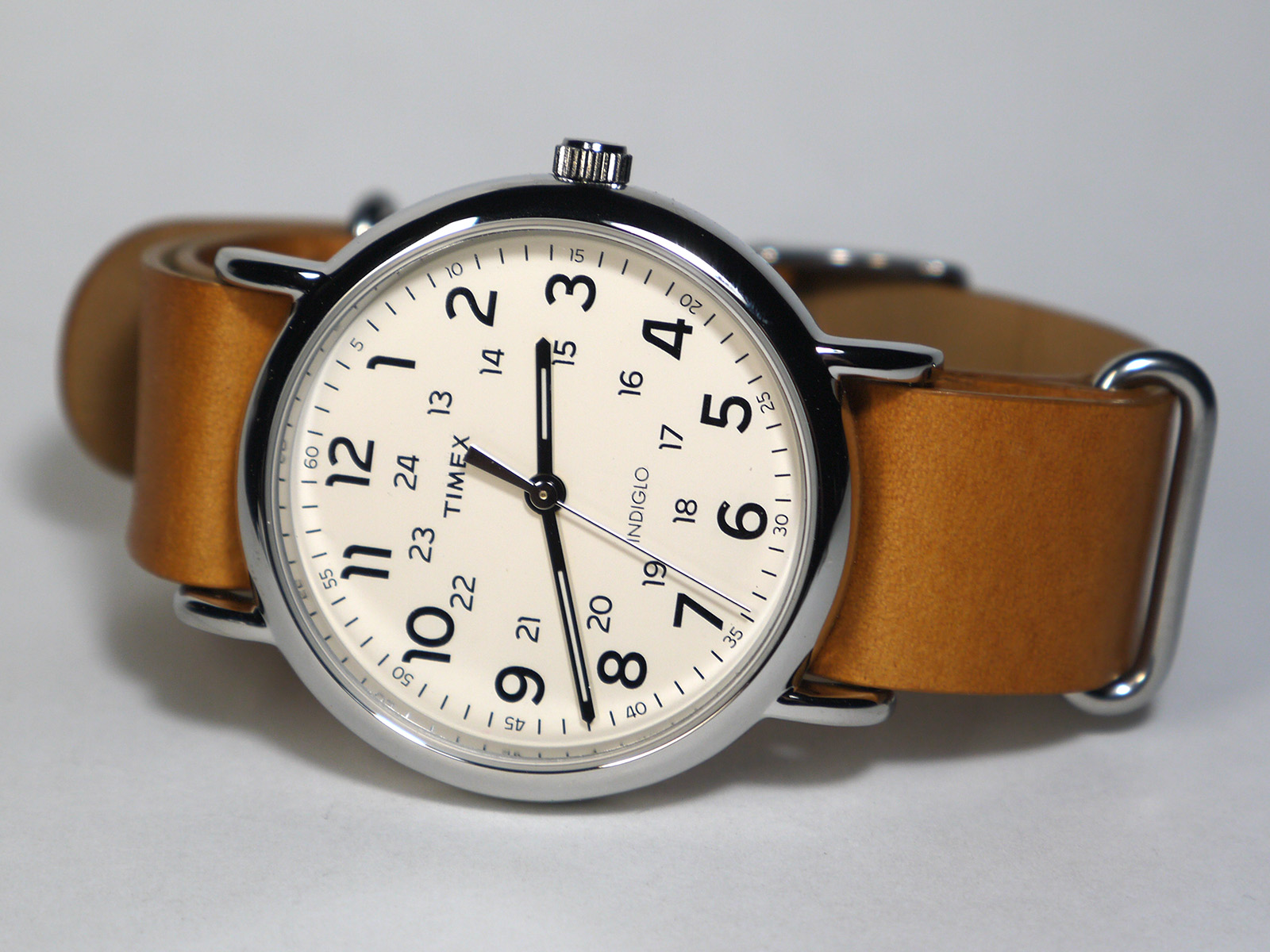 Timex T2p492 Weekender Oversized Quartz Brass And Leather