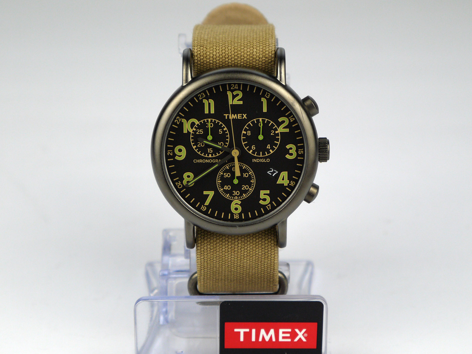 Timex tw2p85200 weekender chrono oversized tan nylon strap black dial casual watch high for Black tan watch